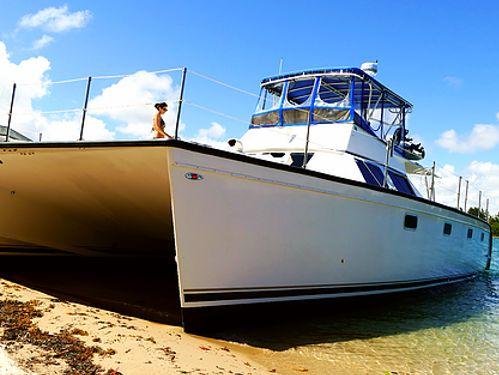 Motor Catamaran Custom Built · 2003