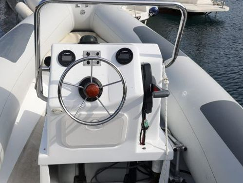 Sportboot Centurion Enzo 35 · 2011