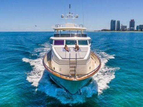 Imbarcazione a motore Horizon 110 · 2000
