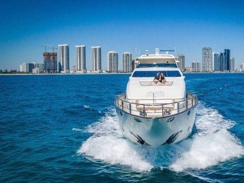 Imbarcazione a motore Azimut 116 · 2012