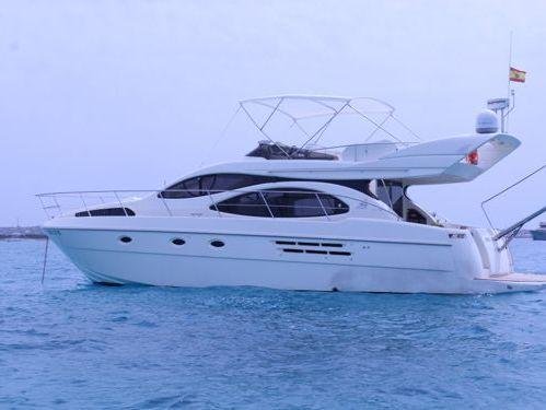 Motorboat Azimut 46 · 2007