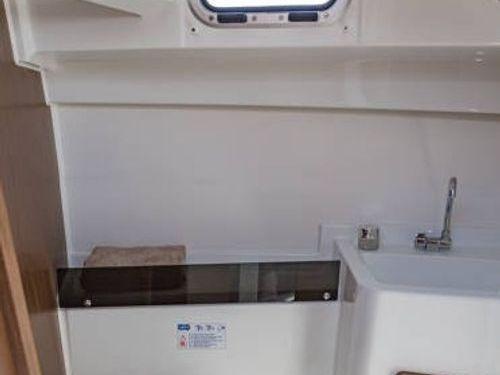 Motorboot Beneteau Antares 8 OB · 2019