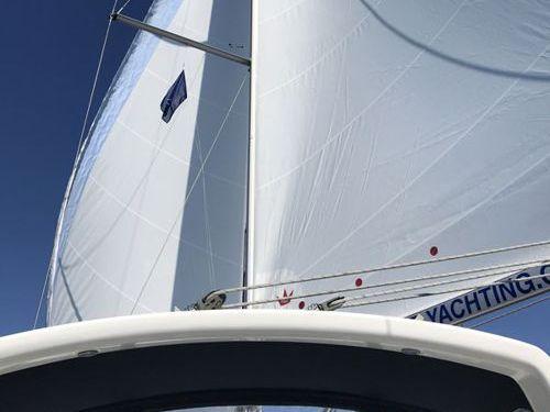 Sailboat Beneteau Oceanis 45 · 2014