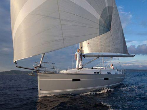 Sailboat Bavaria 36 · 2012