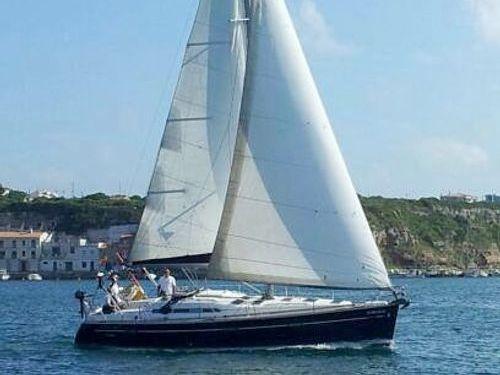 Sailboat Beneteau Oceanis 393 · 2006