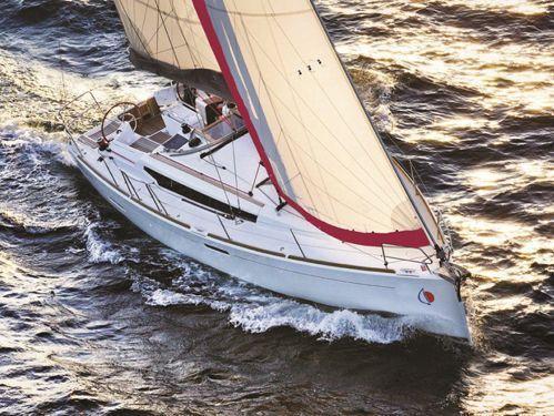 Sailboat Jeanneau Sunsail 38 · 2017