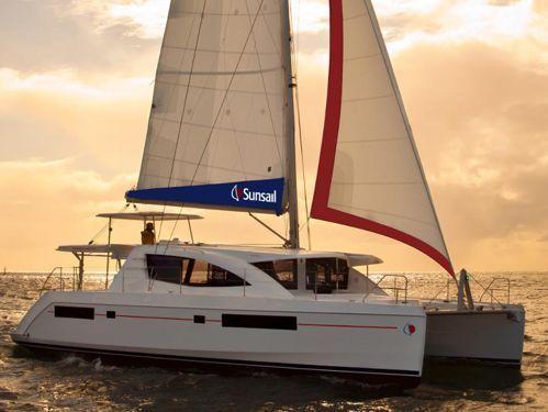Catamaran Leopard Sunsail 484 · 2017