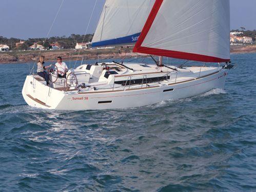 Sailboat Jeanneau Sunsail 38 · 2020
