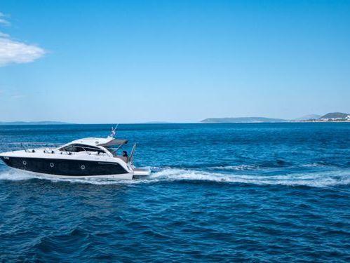 Imbarcazione a motore Sessa C 35 (2018)