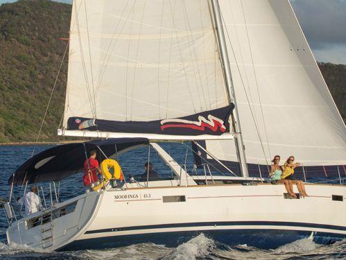Sailboat Beneteau Moorings 453 · 2017