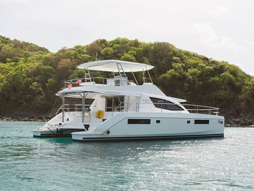 Motor Catamaran Leopard Moorings 514 · 2015