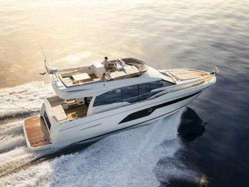 Barco a motor Prestige 520 Fly · 2020