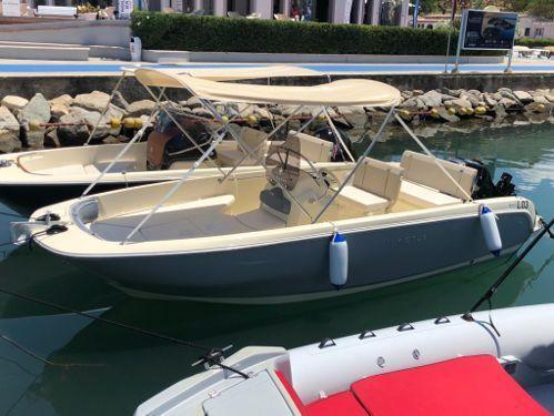 Speedboot Invictus 190 FX · 2020