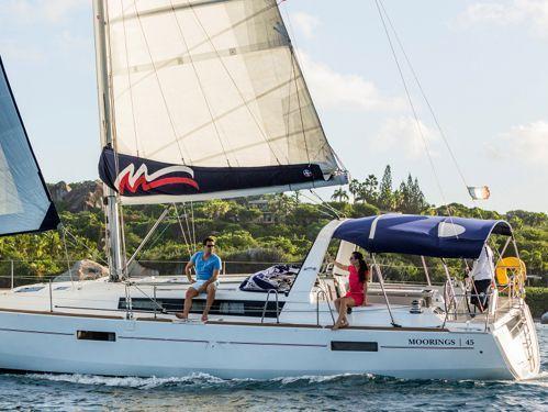 Sailboat Beneteau Moorings 45 · 2017