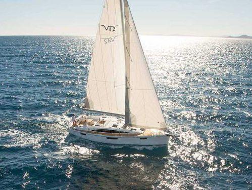 Sailboat Bavaria Vision 42 (2014)