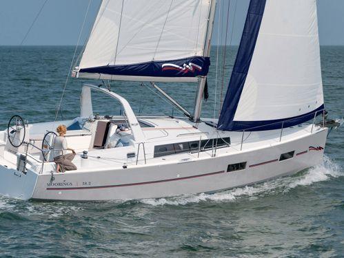 Sailboat Beneteau Moorings 382 · 2017