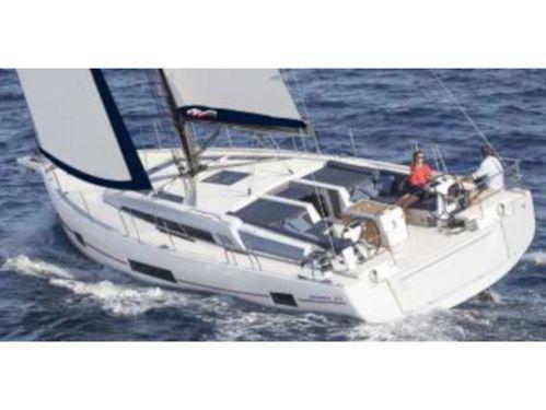 Sailboat Beneteau Moorings 52.4 · 2019
