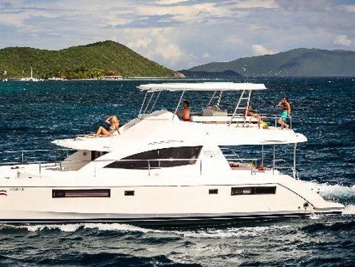 Catamarano a motore Leopard Moorings 514 · 2016