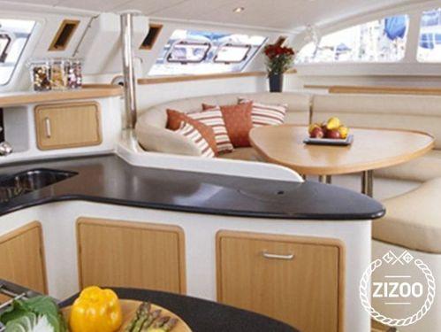 Catamaran Leopard Moorings 5000-5 · 2020