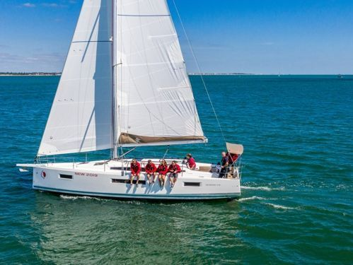Sailboat Jeanneau Sunsail 410 (2019)