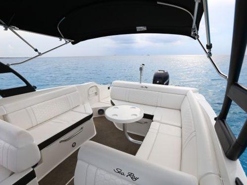 Speedboat Sea Ray 280 Sundeck · 2018