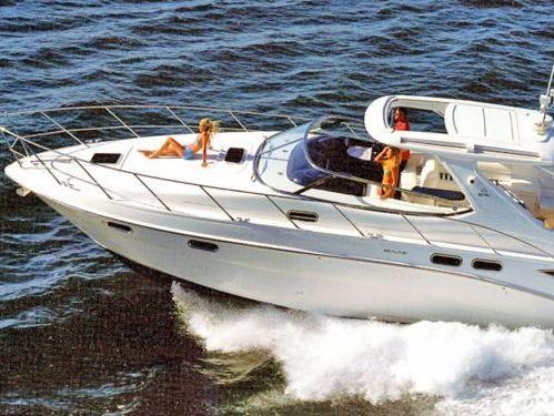 Imbarcazione a motore Sealine F 42 (2002)