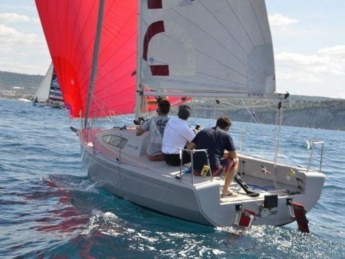 Barca a vela Elan 210 (2012)