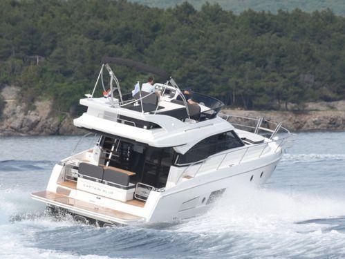 Motorboot Bavaria Virtess 420 Fly · 2019