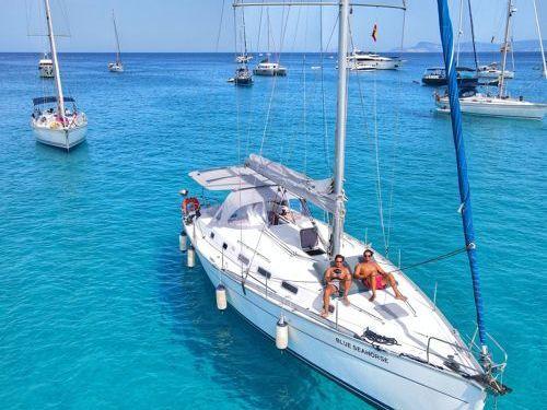 Sailboat Beneteau Cyclades 43.3 · 2007