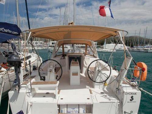 Barca a vela Beneteau Oceanis 38 · 2017