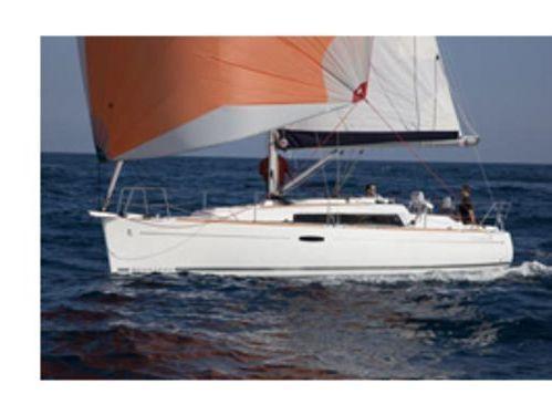 Sailboat Beneteau Oceanis 311 · 2002