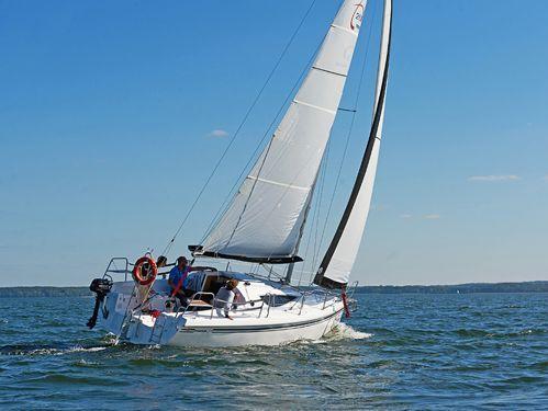 Sailboat Maxus 28 (2021)