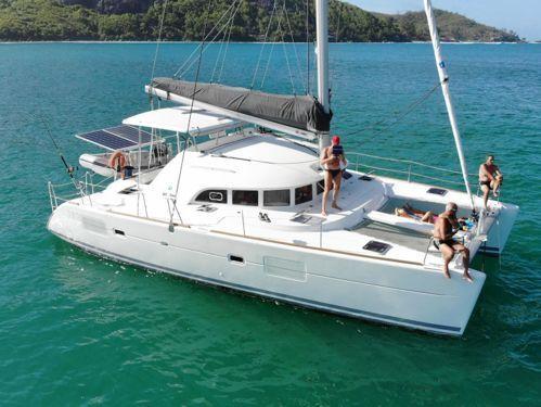 Catamaran Lagoon 380 S2 · 2017
