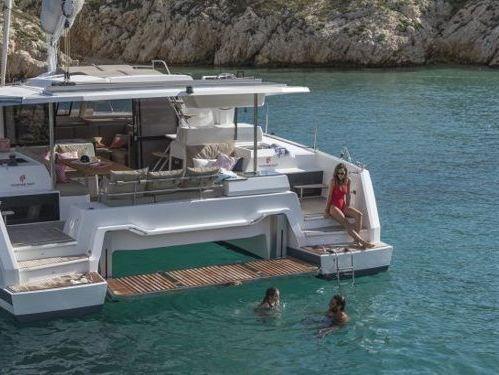 Catamaran Fountaine Pajot Astrea 42 · 2021