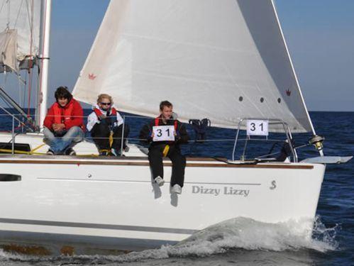 Sailboat Beneteau Oceanis 34 · 2010