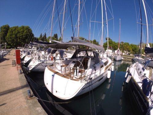 Sailboat Bavaria 37 · 2016