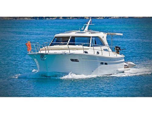 Barco a motor Sas Vektor Adriana 36 BT · 2021