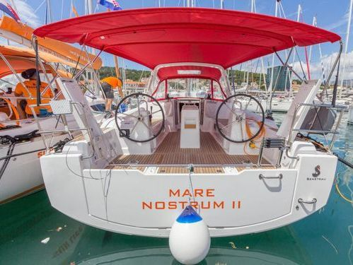 Sailboat Beneteau Oceanis 38.1 · 2018