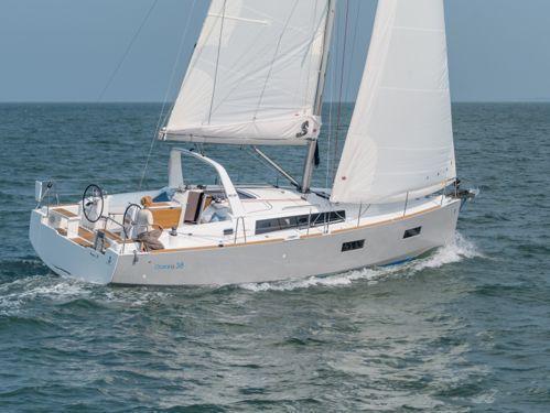 Barca a vela Beneteau Oceanis 38.1 · 2020