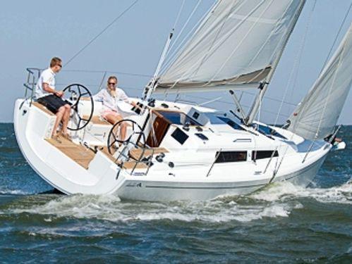 Sailboat Hanse 315 · 2021
