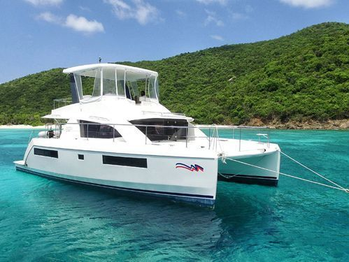 Motor Catamaran Leopard Moorings 433 · 2017