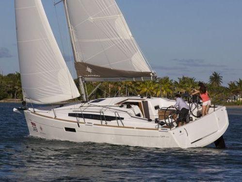 Sailboat Jeanneau Sun Odyssey 349 · 2018