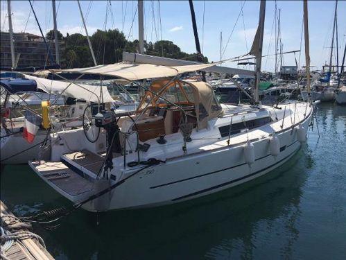 Sailboat Dufour 350 · 2015