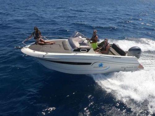 Imbarcazione a motore Pacific Craft 700 Day Cruiser (2021)