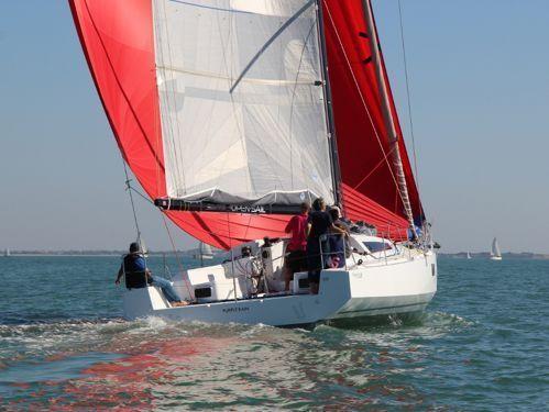 Barca a vela Pogo 12.50 · 2016