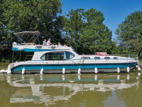 Houseboat Nicols Sixto Fly C · 2021