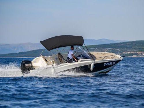 Speedboat Quicksilver Activ 675 SD · 2020