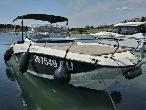 Speedboat Quicksilver 675 Sundeck (2020)