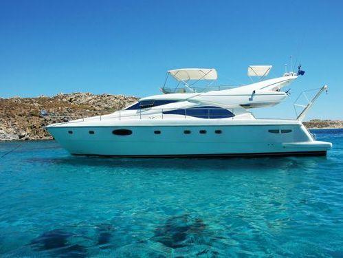 Motorboot Ferretti 590 · 2002