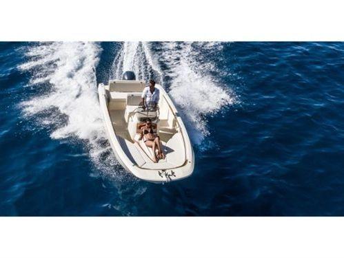 Speedboot Invictus 190 FX · 2018